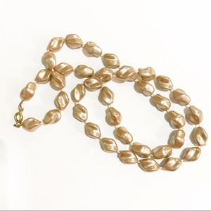 Vintage Champagne Colored Swirl Beads Neck…